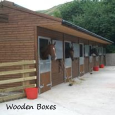 james-ewart-racing-facilities-the-stables-wooden-boxes